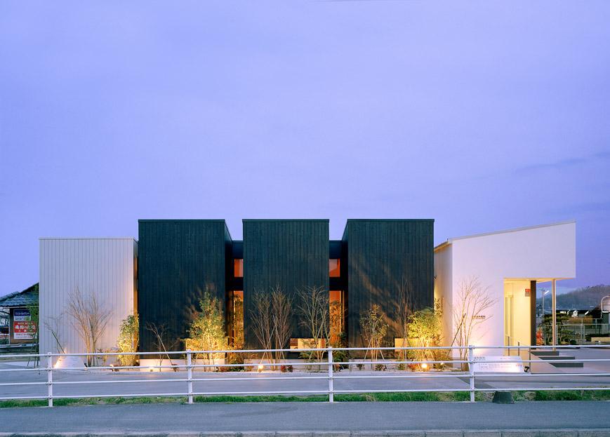 大阪の建築家による医院の建築設計実例|インパクトのある外観