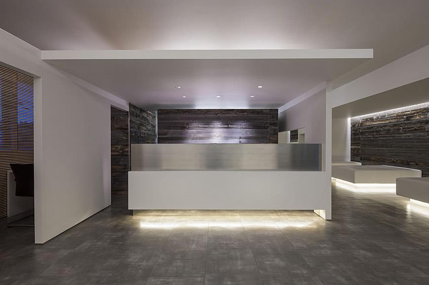 大阪の建築家による整形外科クリニックとリウマチクリニックのリノベーションの設計実例|シンプルで清潔感のあるデザイン