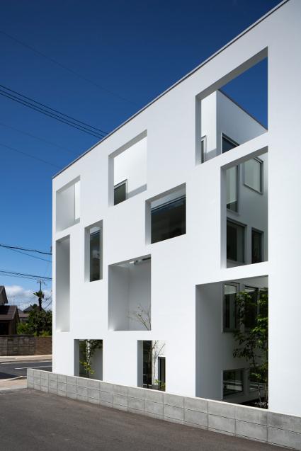 大阪の建築家による歯科医院クリニックの設計の実例|シンプルでインパクトのある外観1