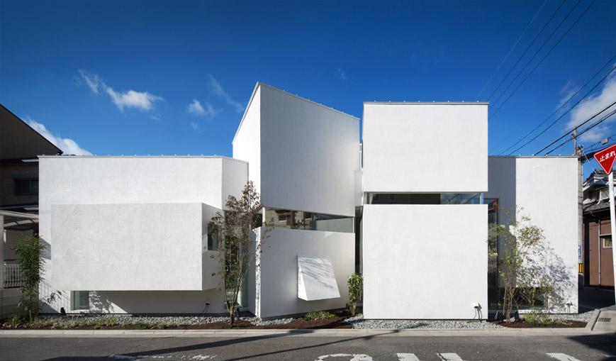 大阪の建築家による歯科医院クリニックの設計実例|斜めの造形によるインパクトのあるデザイン