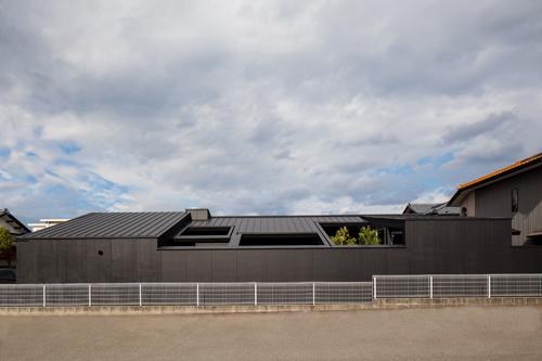 平屋と中庭の福井の和風住宅設計