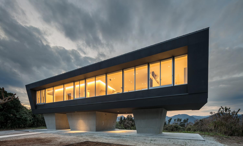 絶景のリゾート風住宅|東京と大阪で設計する建築家の新築07