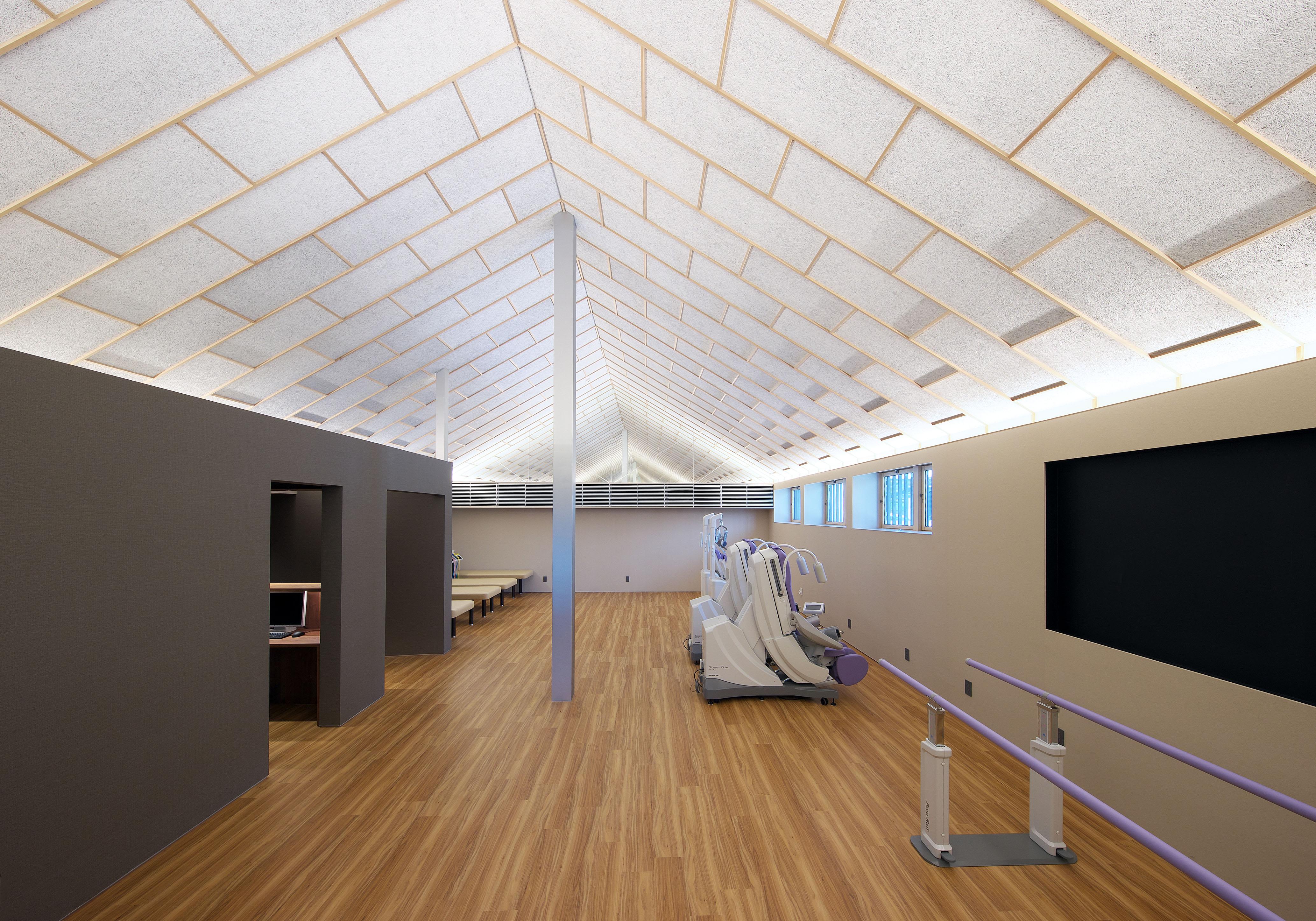 おおやぶ内科 整形外科 平岡建築デザインの設計の糖尿病内科クリニックのリハビリ室内装