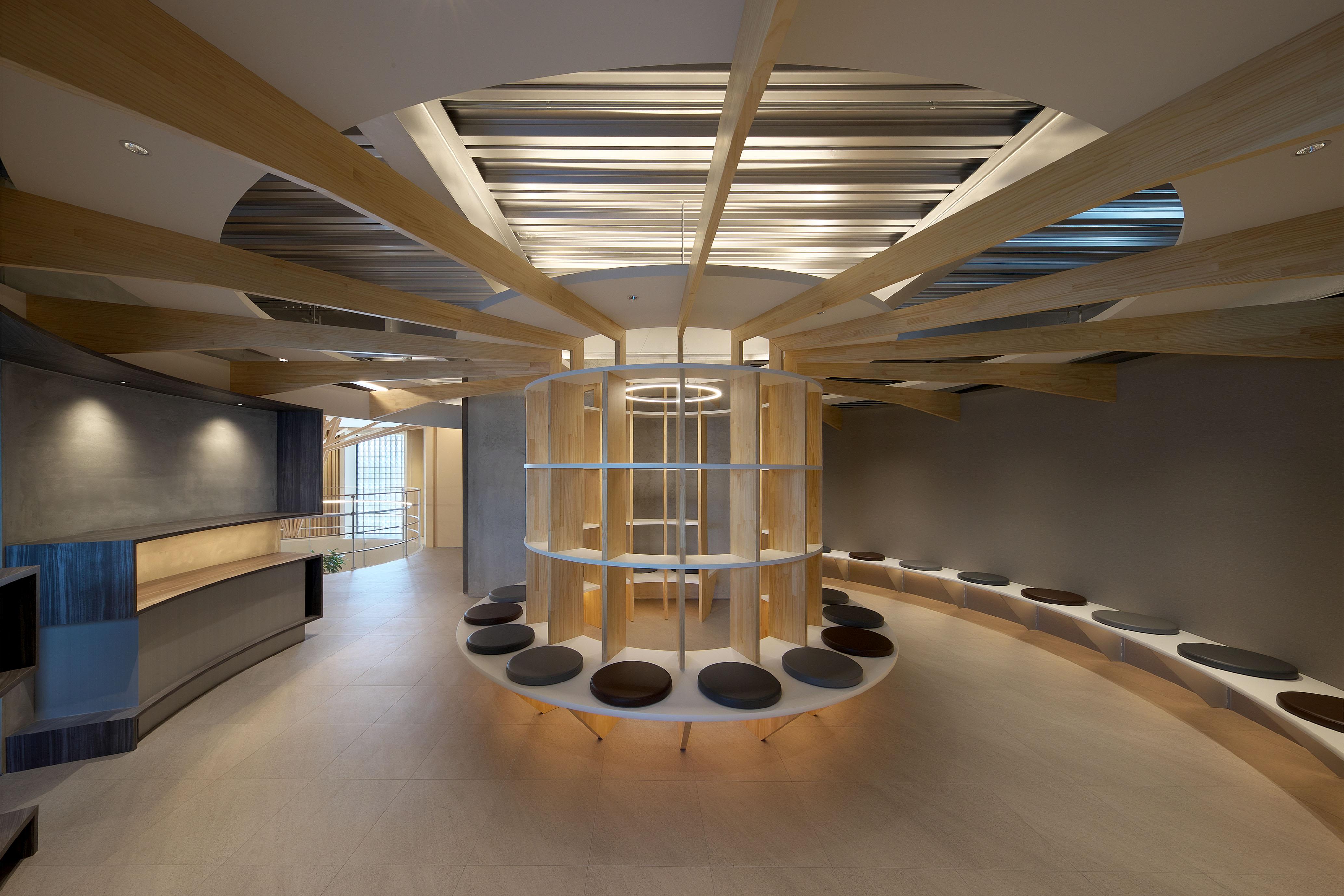 平岡建築デザインが設計した糖尿病内科と整形外科のクリニック家具内装